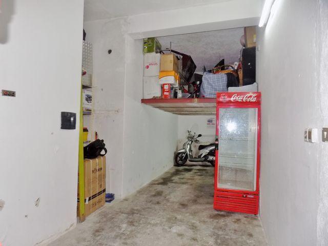 Zona Università - magazzino